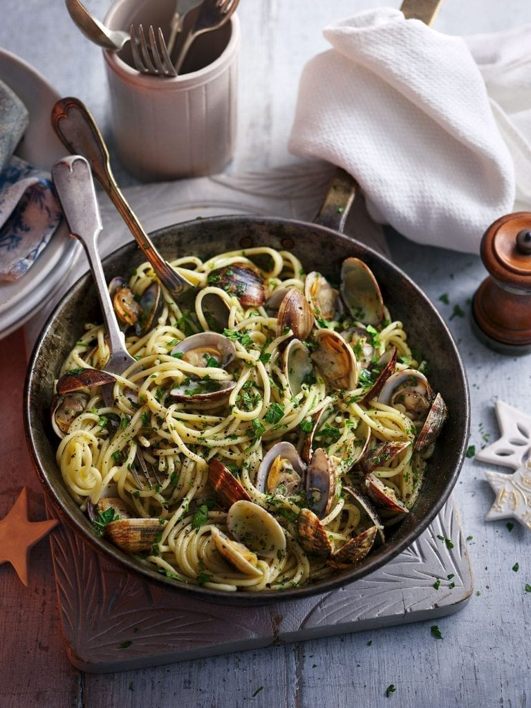 Vongole in serving pan