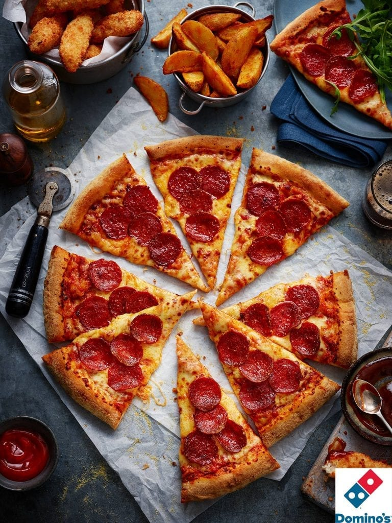 dominoes pepperoni pizza with ingredients